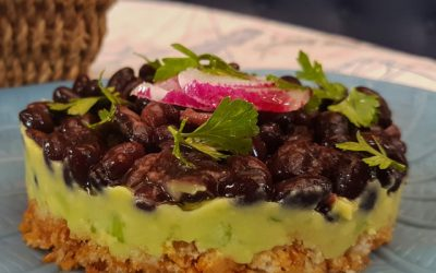 Salty Vegan Cheesecake with black beans, avocado and cucumbers (very light)