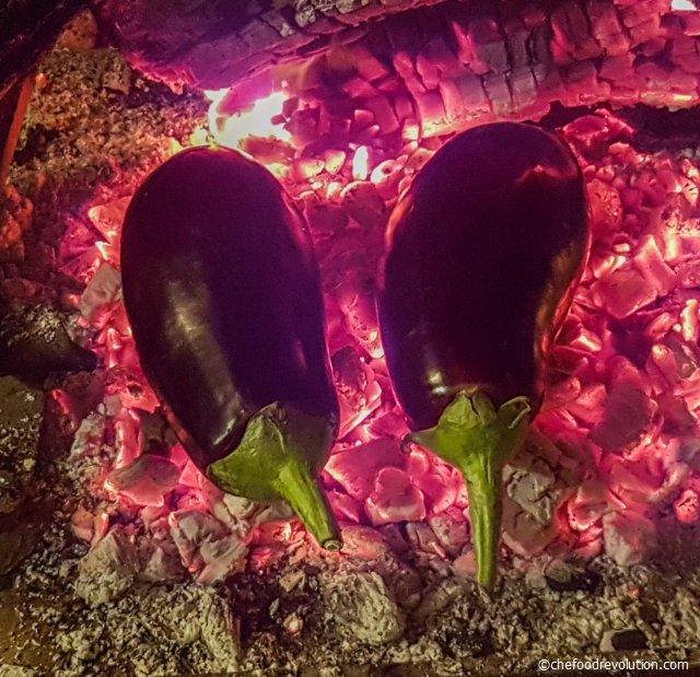 mangalda pişen patlıcanlar