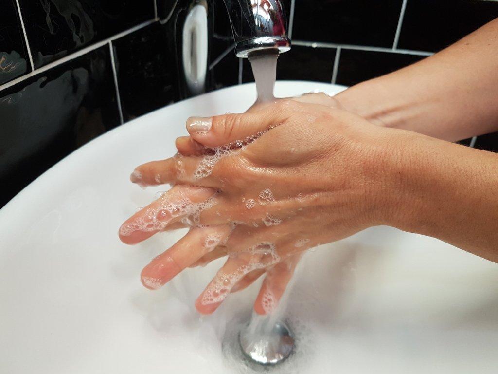 Low cost, low environmental impact virus disinfectant