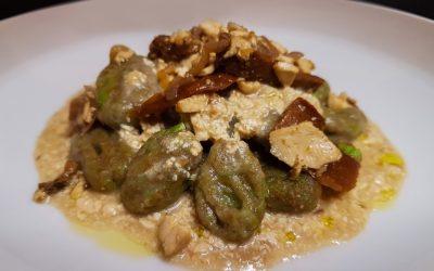 Bezelye ve tam buğday unundan yapılmış sağlıklı Vegan Gnocchi