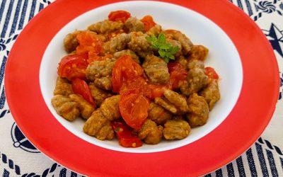 Gnocchi vegani di melanzane e farina integrale, con sughetto al pomodoro