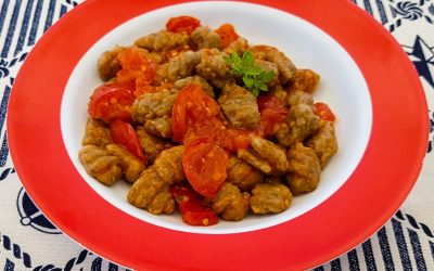 Tam buğday unundan Patlıcanlı Vegan Gnocchi, domates sosuyla