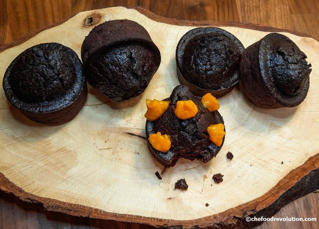vegan chocolate muffins with pumpkin cream