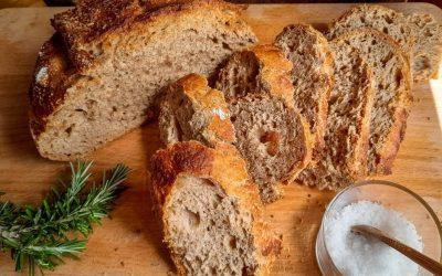 Whole wheat sourdough bread: easy and no-knead recipe