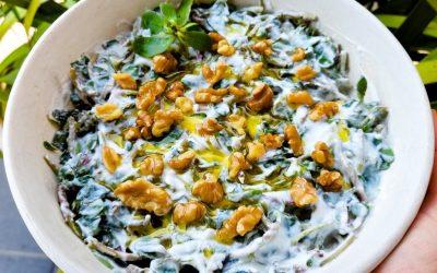 Insalata di portulaca con yogurt: rinfrescante e ricca di omega 3