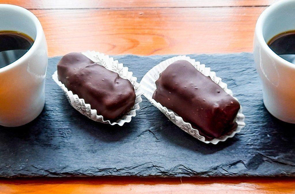Homemade healthy Bounty bars recipe: light and no bake dessert