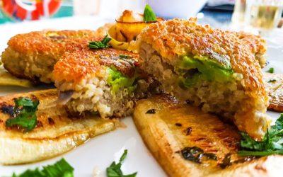 Quinoa patties with avocado: gluten-free and antioxidant-rich recipe