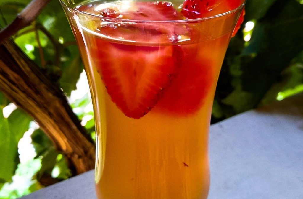 Water kefir guide: what is it, pros & cons, how to prepare, tips and ideas
